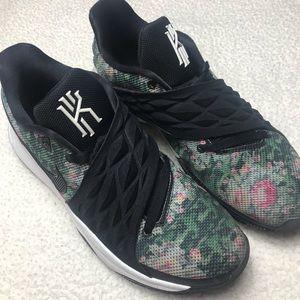 Nike Kyrie Low 1 size 12